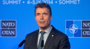 Nato-Genralsekretär Anders Fogh Rasmussen spricht am 04.09.2014 in Newport in Großbritannien während des Nato-Gipfels auf einer Pressekonferenz. Die Staats- und Regierungschefs der Nato kommen in Wales zu einem zweitägigen Gipfel zusammen. Im Mittelpunkt der Beratungen steht das Verhältnis zu Russland. Foto: Maurizio Gambarini/dpa +++(c) dpa - Bildfunk+++